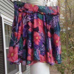 Flouncy flowery skirt