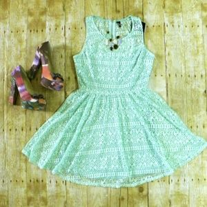 HeartSoul Dresses & Skirts - M L NWT Mint green lace skater dress