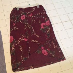 Donna Ricco Dresses & Skirts - Gorgeous skirt high and low size 8p