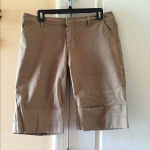 Pants - GAP khaki shorts
