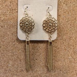 Jewelry - SALE‼. Gold filigree tassel drop earrings