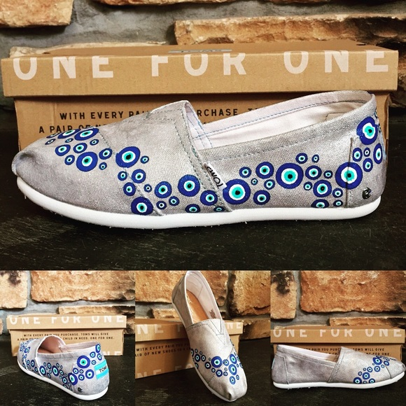 dcc91e7301f Evil Eye Wave hand painted TOMS