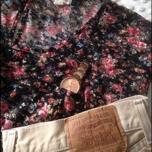 Zenana Outfitters Tops - Floral blouse