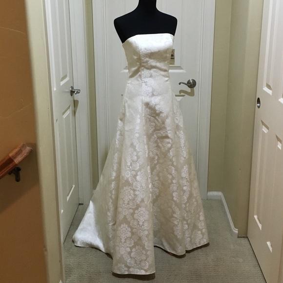 Jessica McClintock Dresses   Beigeivory Wedding Gown Sz 8   Poshmark