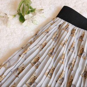 Zara Pants - {zara} pleated Scotties shorts