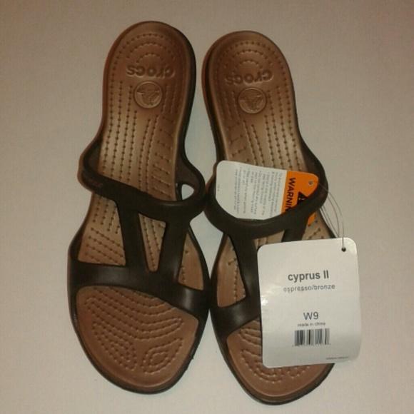 b8c166c4e56 Brand New Cyprus II Bronze Crocs Sz 9