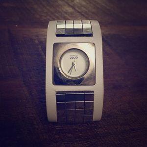 Jo-Jo Accessories - Silver Bangle Watch