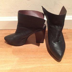 BRAND NEW Jeffrey Campbell The WingMan Shoe Size 6
