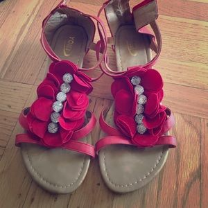 Yoki Shoes - Summer Sandals with red flowers