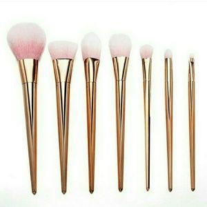 Steve Madden Shoes - Makeup Brush Set