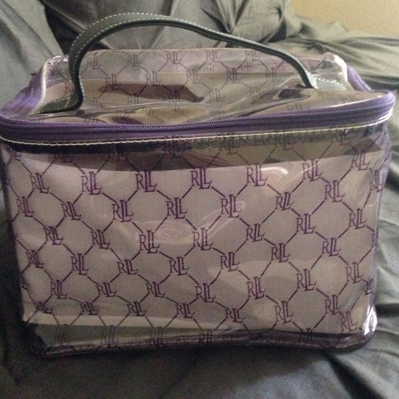 15784579c004 Ralph Lauren Makeup Toiletry Bag. M 572e2c35bf6df55956035b6d