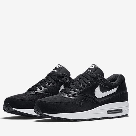 Nike air max 1 essential shoes NWT
