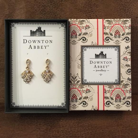 Downton Abbey Jewelry - ✨SALE✨ Downton Abbey leaf earrings