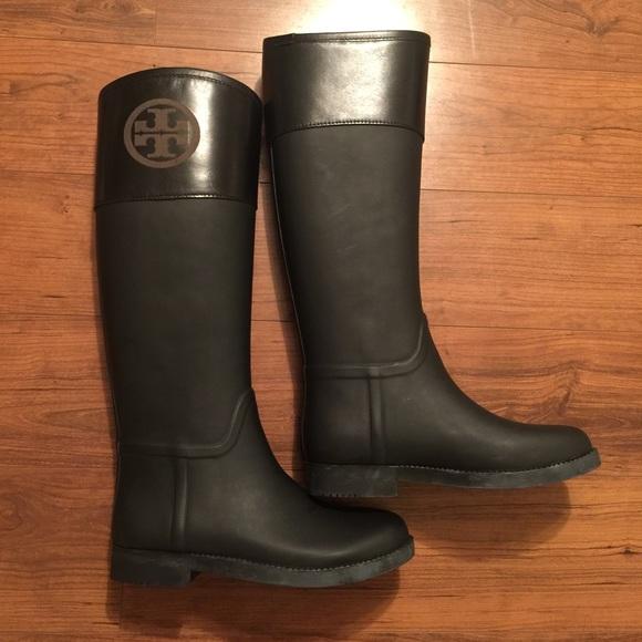 09b3c88dc68 Tory Burch Classic Rain Boots. M 572e5e9bc284566c4f00c483