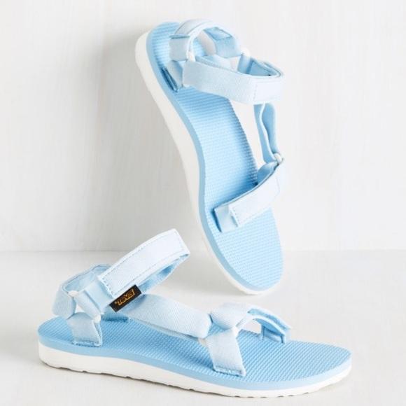 52b1c8e508860c NWT Baby Blue and White Teva Sandals