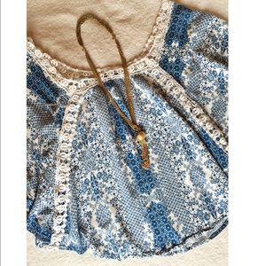 Love Stitch Tops - 💙 Blue top with crochet designs💙