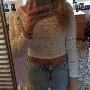 Forever 21 Tops - Forever 21 white patterned crop top