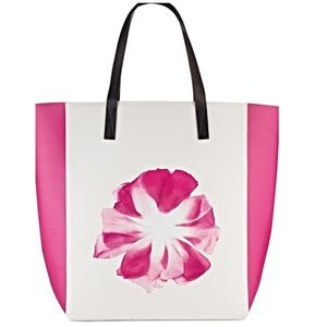 Pink and white flower tote