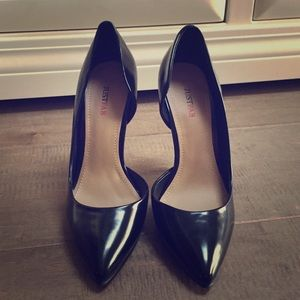 Brand new JustFab black pumps