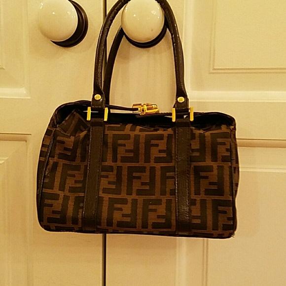d27208987b46 FENDI Handbags - FENDI VINTAGE SATCHEL BAG!
