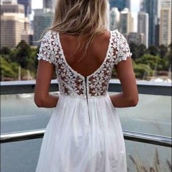 White Daisy Dresses
