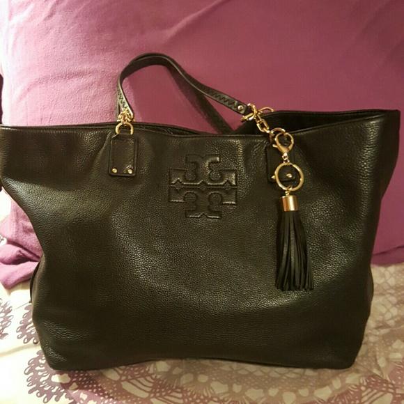 79a5a67bcf3a discount tory burch chelsea shoulder bag selva shoulder handbags 811e3  065fb  good tory burch black thea chain strap tote 96b18 8f824