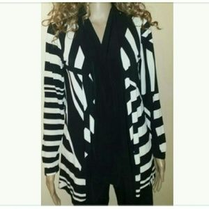 Sweaters - NEW Black & White Striped Sweater sz sml