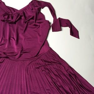 Soprano Dresses & Skirts - Beautiful Burgundy Wine Silk Dress 💄