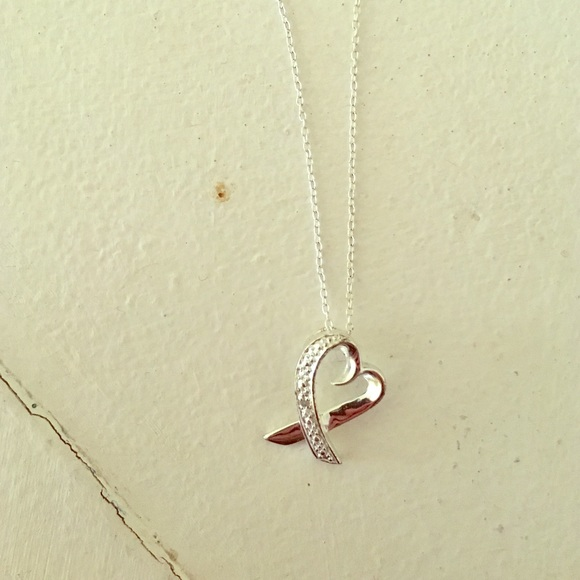 c73f50165 Kay Jewelers Jewelry - Kay jewelers Valentine's Day heart necklace ❣