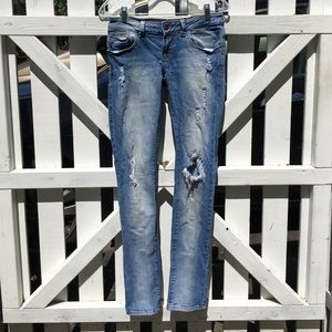Straight leg destroyed jeans from Zara