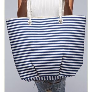 Navy/cream knot handle tote