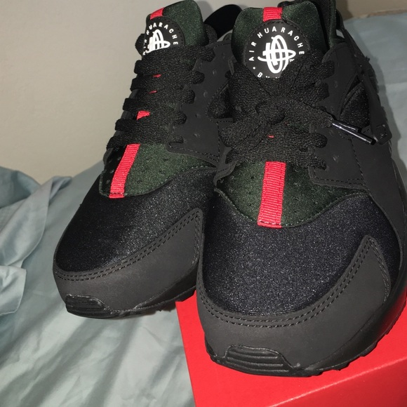 promo code e45c1 d9c6c Nike Gucci huaraches