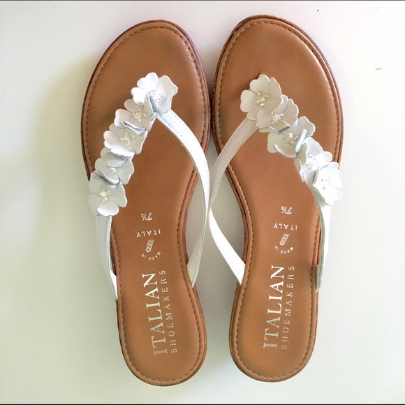d30e9b9f7ad2c Italian Shoemakers Shoes - Italian Shoemakers white flower sandals