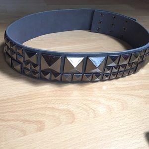 BCBGMaxAzria Accessories - BCBGMaxazria Studded pewter gunmetal grey belt