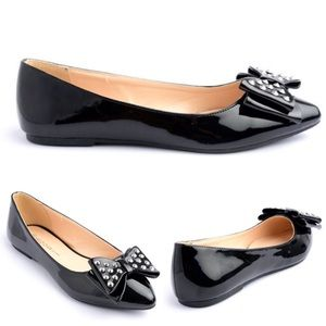 Boutique Shoes - 🎉CLEARANCE🎉 Black Patent Bow Silver Studs Flats