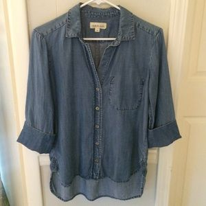 Anthropologie chambray high/Lo shirt