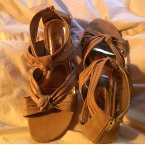 Taupe sandals size 9