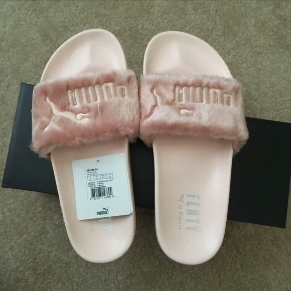 new arrival 44dd0 63c9c Rihanna Fenty Slides Pink Size 5.5 (Only on M!!!) NWT