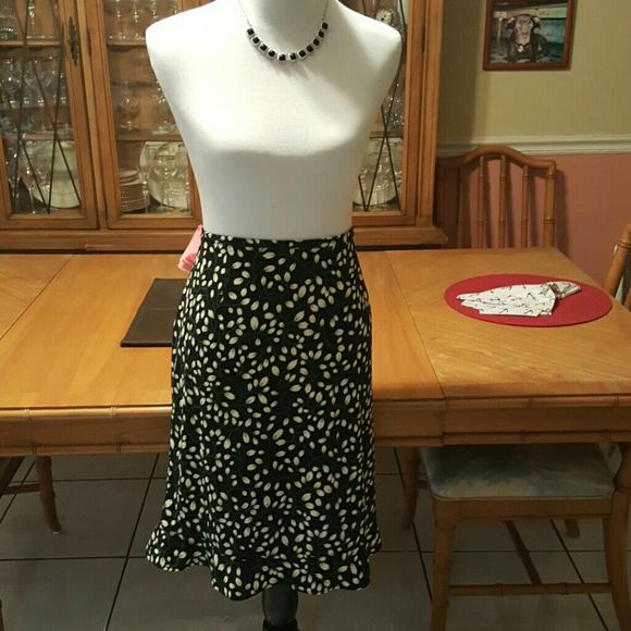 Requirements Skirt 64