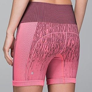{lululemon} sculpt shorts in electric wave