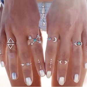 Jewelry - Dainty Boho Silver Ring & Midi Set
