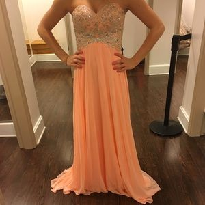 Peach / orange prom dress