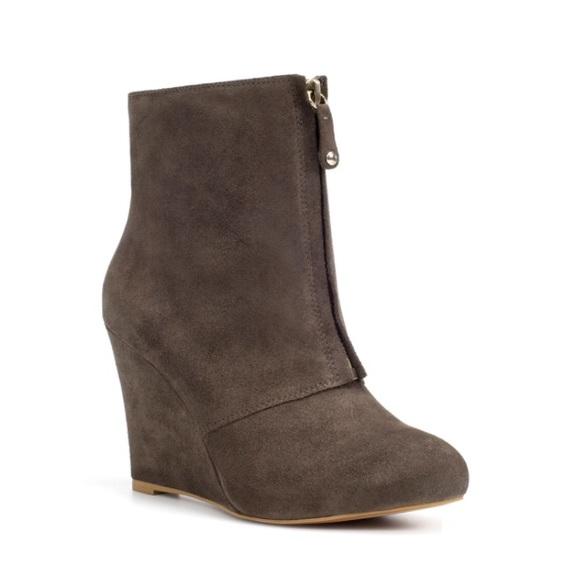 45 zara shoes zara leather grey zip up wedge ankle