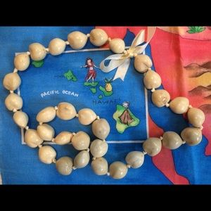 """Jewelry - Ke'oke'o (off white)🌴 Kukui Nut Lei 36"""""""