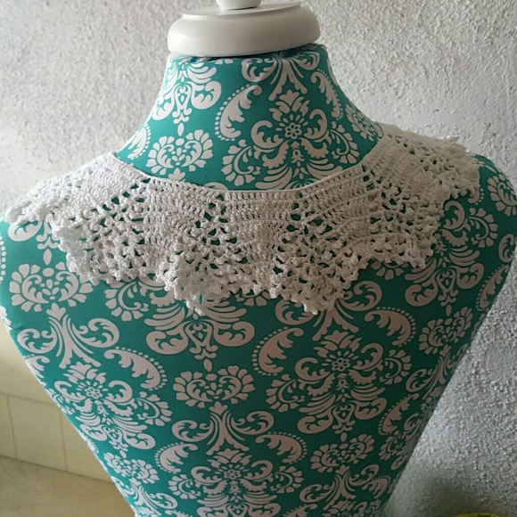 Vintage Accessories - Vintage Crocheted Lace Peter Pan Collar