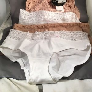 4 Panties Victoria's Secret Wacoal sz Large