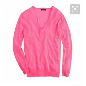 J.CREW LIGHTWEIGHT MERINO WOOL V-NECK SWEATER