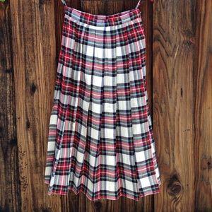 HP Tartan Skirt - Plaid skirt!