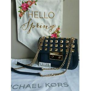 Michael Kors Handbags - 👑 Decided to keep 💙