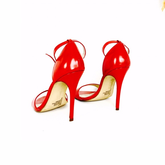 78fea685aa3 STEVE MADDEN red strappy sandals